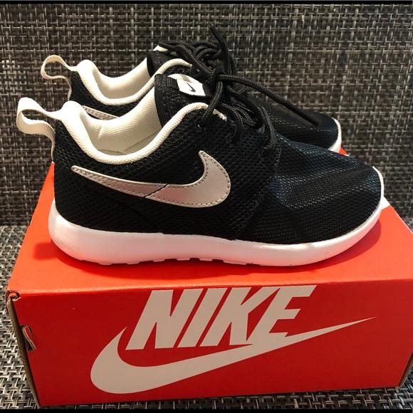 uk availability f67c4 82434 Nike Roshe One - Girls Toddler Size 12